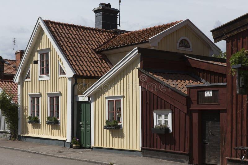 Старый деревянный дом в середине города, Kalmar Швеции стоковое фото