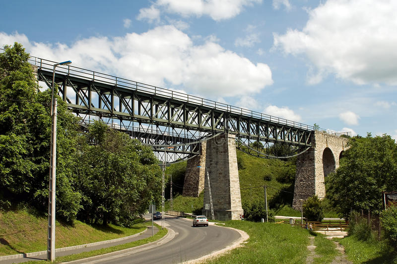 старый железнодорожный viaduct стоковая фотография