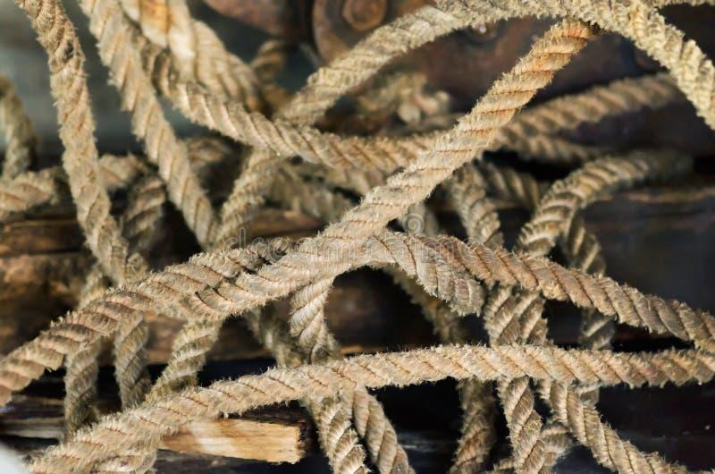 старый желтый цвет веревочки стоковые фото