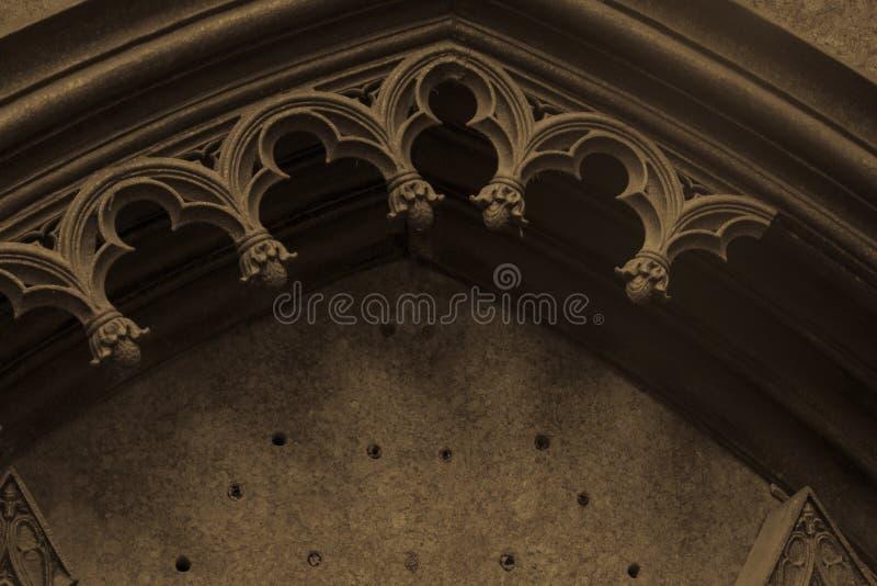 Старый загубленный готический свод стоковая фотография