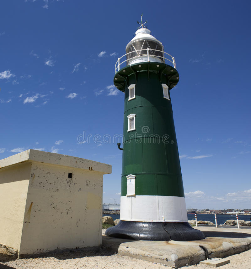 Старый зеленый маяк на Fremantle западной Австралии стоковое изображение rf
