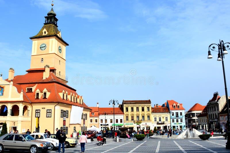 Старый здание муниципалитет в рыночной площади, Brasov, Румынии стоковое изображение rf