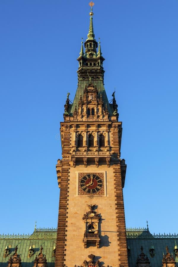 Старый здание муниципалитет на Rathausmarkt в Гамбурге стоковая фотография rf