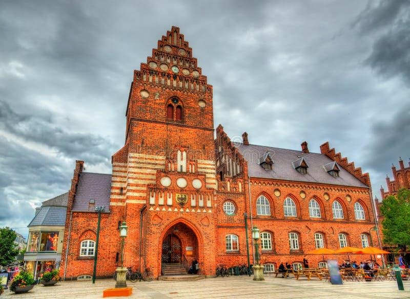 Старый здание муниципалитет Роскилле - Дании стоковое фото rf