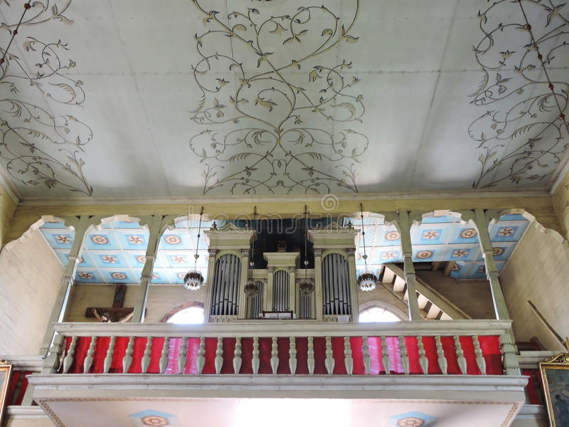 Старый интерьер церков, Литва стоковое изображение