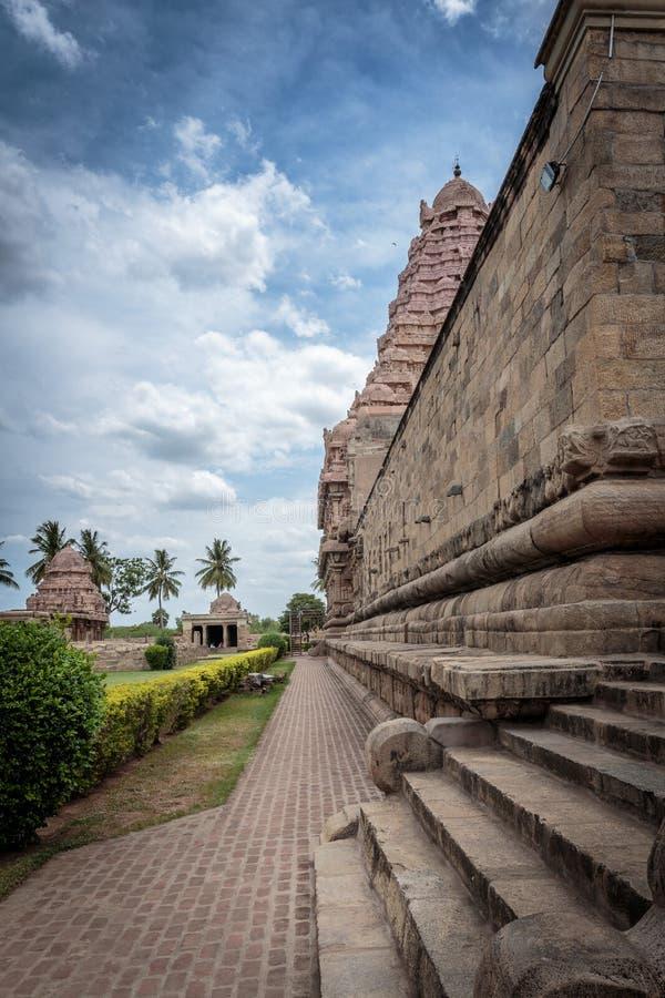 Старый индусский висок в Индии - бортовом проходе стоковое изображение