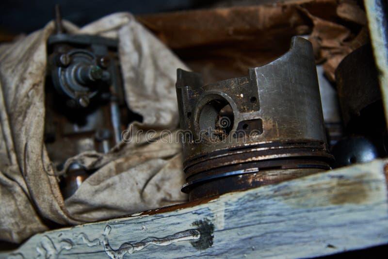 Старый используемый поршень стоковые фотографии rf