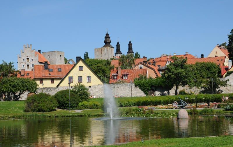 Старый и живописный город visby стоковые изображения