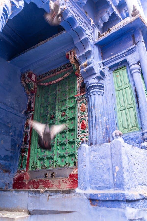 Старый и красивый двор в Джодхпур стоковые фото
