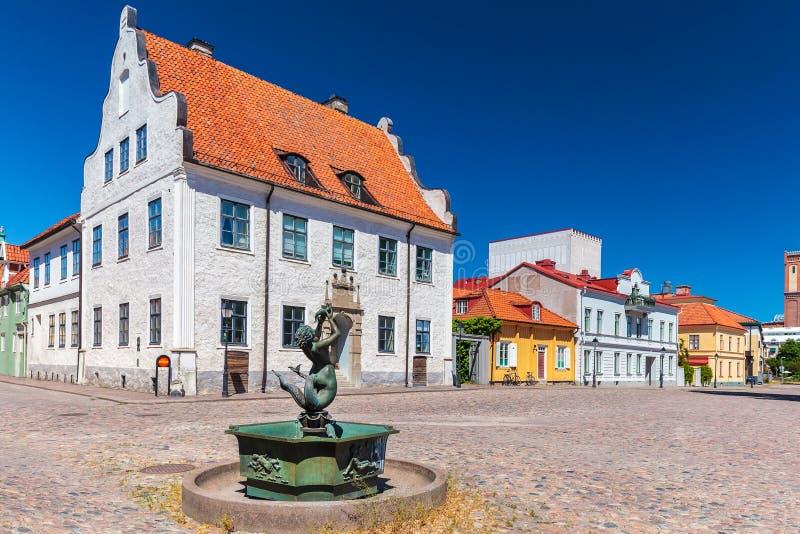 Старый квадрат в городе Kalmar, Швеции стоковая фотография