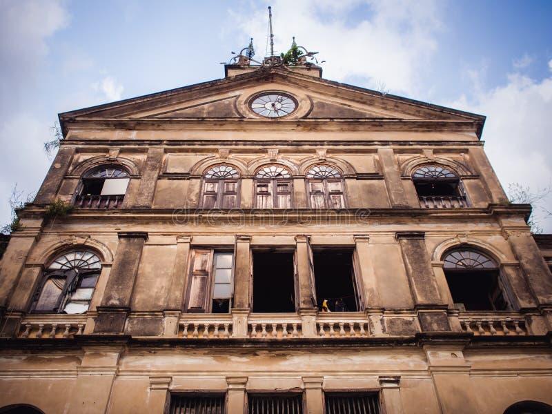 Старый колониальный стиль архитектуры в Бангкоке стоковые фото