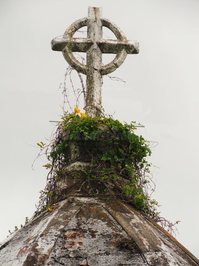 Старый крест стоковая фотография