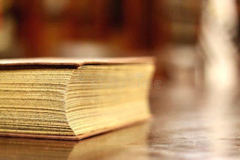 Старый крупный план книги стоковые изображения