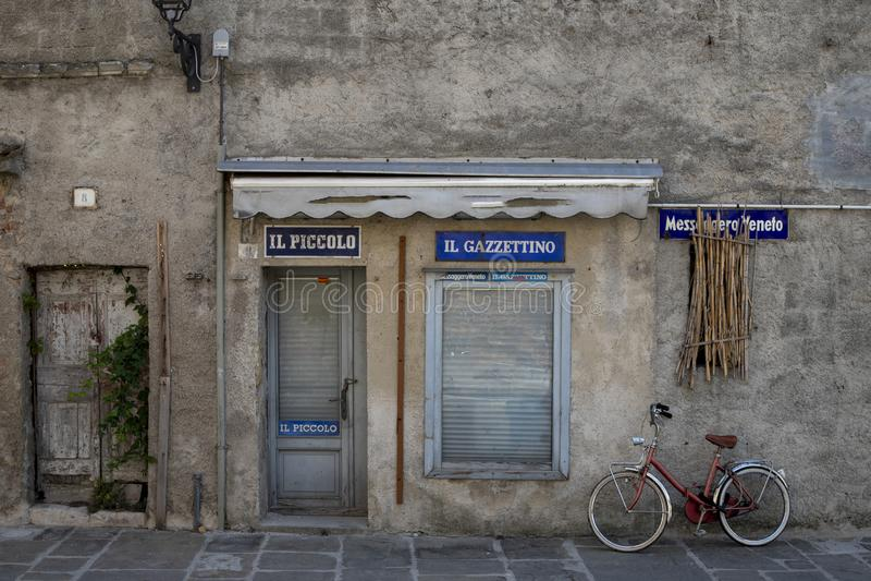 Старый магазин стоковое изображение