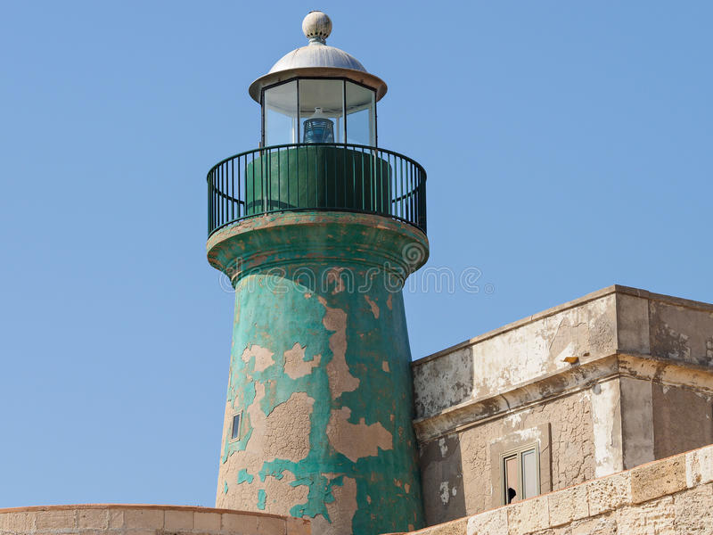 Старый маяк в Ortigia стоковая фотография