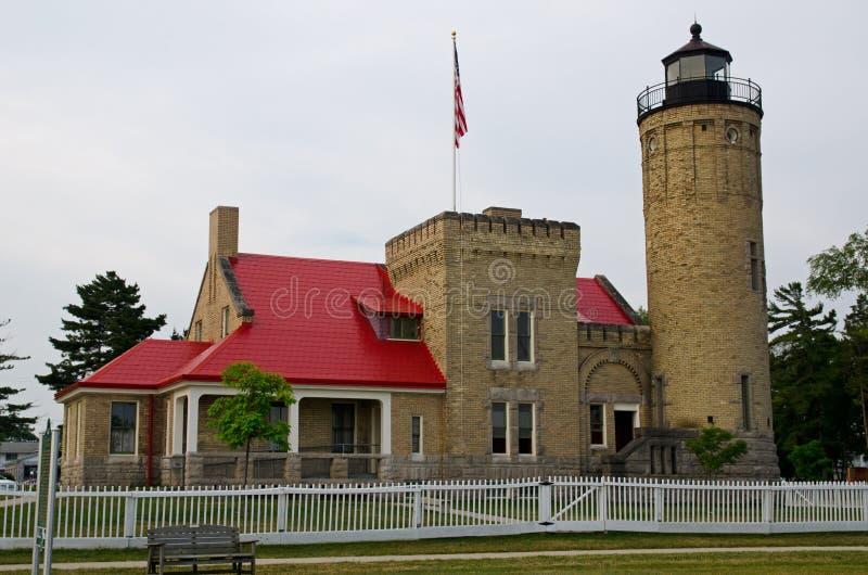 Старый маяк пункта Mackinac, город Mackinaw, Мичиган стоковые изображения rf