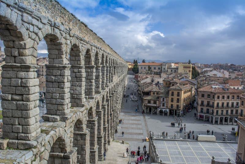 Старый мост-водовод в историческом центре Сеговии, Испании стоковые фото