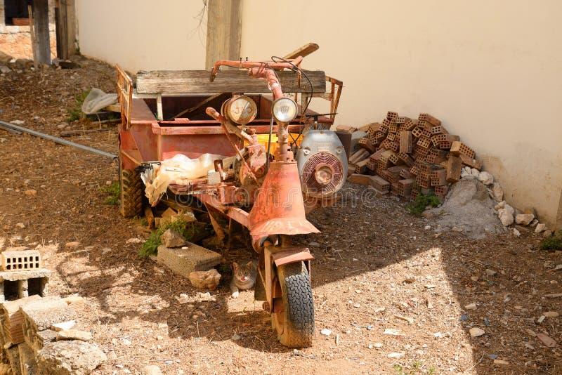 Старый мотоцикл с трейлером стоковые фотографии rf