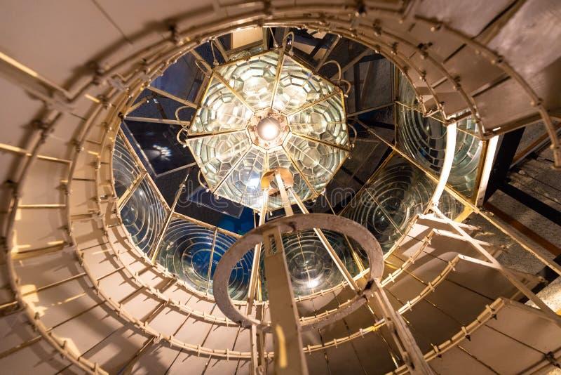 Старый объектив Fresnel маяка Cordouan стоковые изображения rf