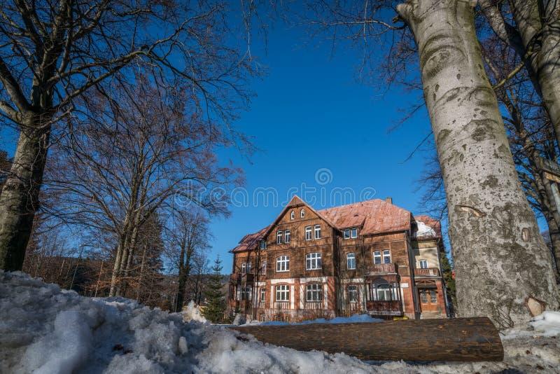 Старый дом в Szklarska Poreba стоковые изображения rf