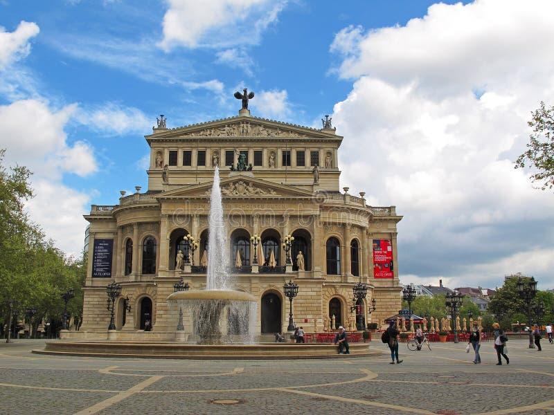 Старый оперный театр - Франкфурт - Германия стоковая фотография