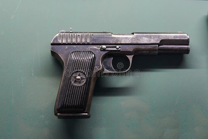 Старый пистолет Второй Мировой Войны стоковые изображения rf
