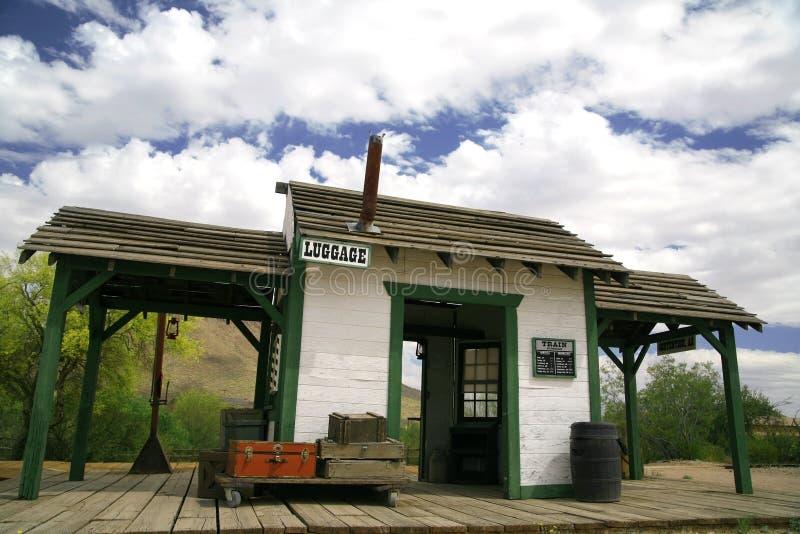 старый поезд станции стоковая фотография rf