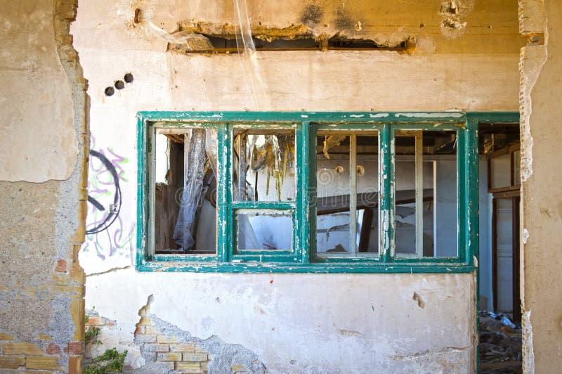 Старый покинутый офис стоковое изображение