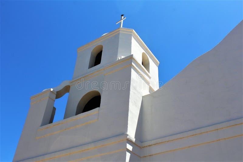 Старый полет Adobe, наша дама вечной католической церкви помощи, Scottsdale, Аризоны, Соединенных Штатов стоковые изображения