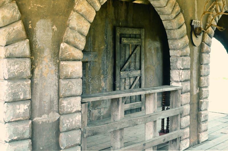 Старый получившийся отказ дезертированный город стоковое фото