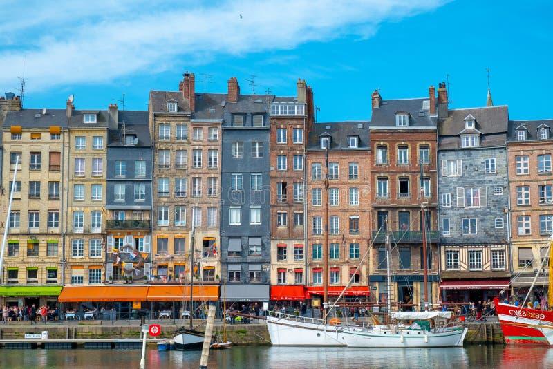 Старый порт Honfleur, Нормандии, Франции стоковое изображение rf
