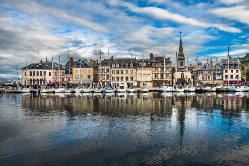 Старый порт Honfleur, Нормандии, Франции стоковая фотография rf