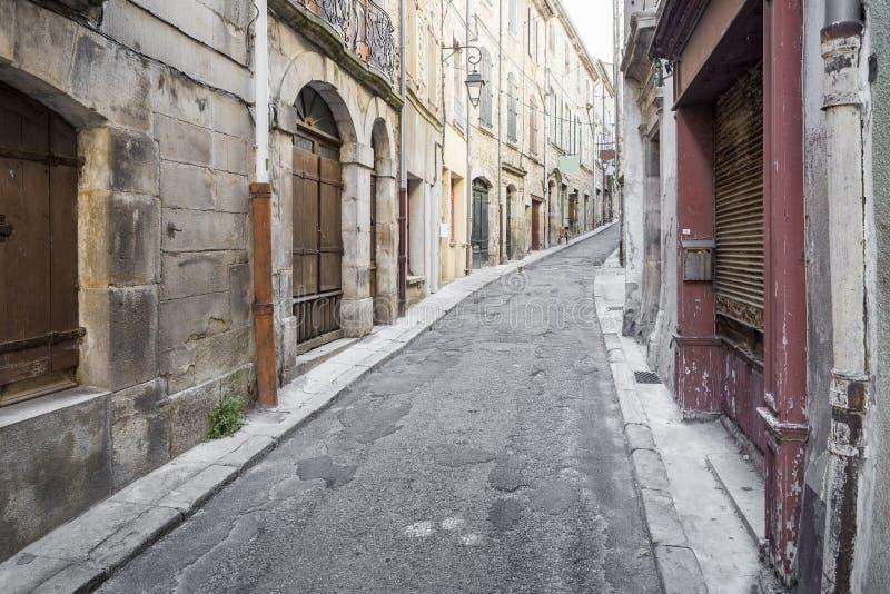 Старый проход в маленьком городе Joyeuse, Франции стоковые изображения rf