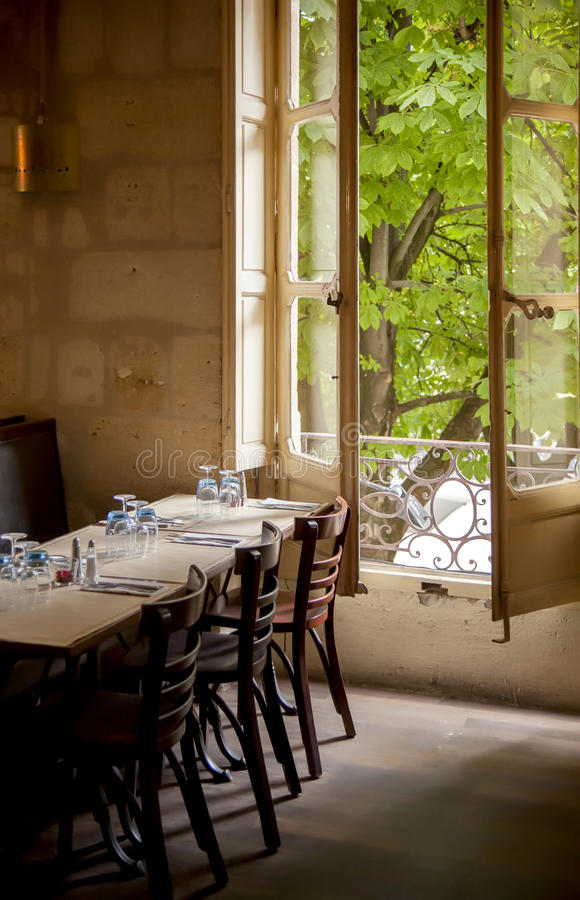 Старый ресторан Франции стоковое фото