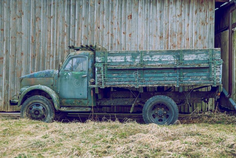 Старый ретро винтажный автомобиль, GAZ-51 Сделанный в СССР Фото 2019 перемещения стоковые изображения