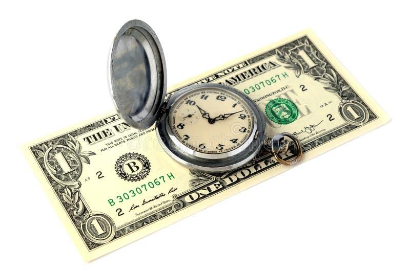 Старый ретро дозор кармана с царапинами лежит на счете одн-доллара Концепция времени деньги изолировано Объект для дизайна дальше стоковая фотография