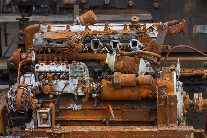 Старый ржавый двигатель дизеля стоковые изображения