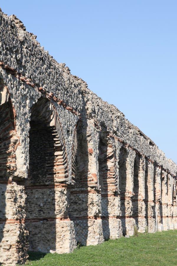 Старый римский мост-водовод Gier в Chaponost около Лиона стоковые фотографии rf