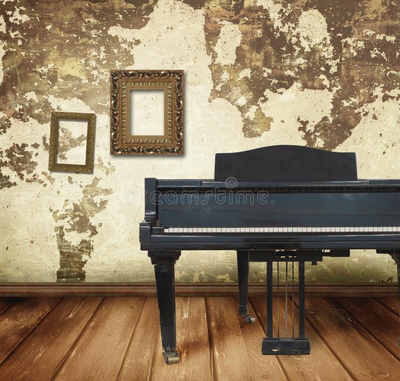 старый рояль стоковое фото rf
