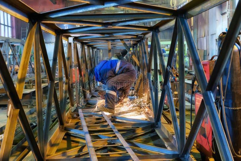 Старый сборочный завод структур металла стоковое фото rf
