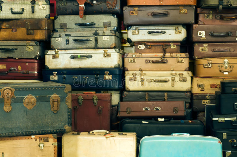 старый сбор винограда чемоданов стоковое изображение rf