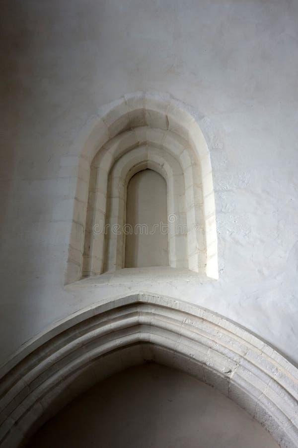 Старый свод окна церков цементировал сверх стоковое изображение rf