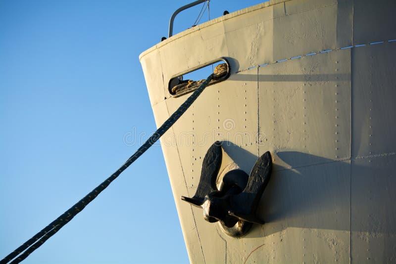 Download Старый смычок грузового корабля Стоковое Фото - изображение насчитывающей индустрия, кран: 37928278