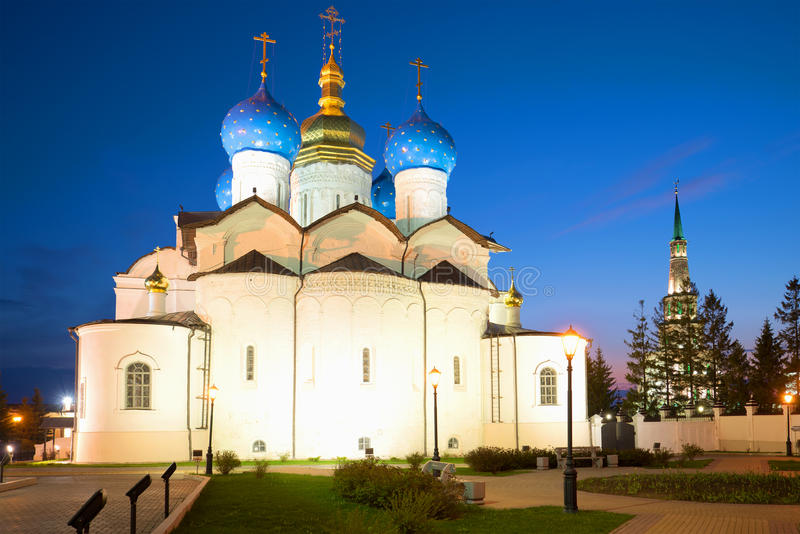 Старый собор аннунциации в Казани Кремле на ноче в мае kazan Россия стоковое фото
