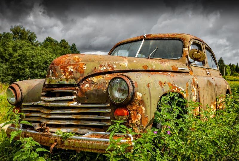 Старый советский автомобиль GAZ-M20 Pobeda стоковая фотография rf