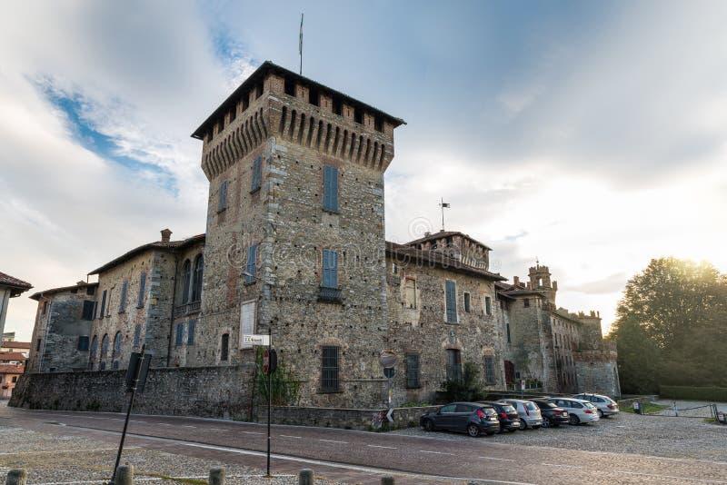 Старый средневековый замок, северная Италия стоковые фотографии rf
