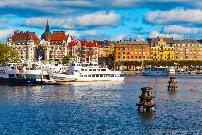 старый сценарный взгляд городка stockholm Швеции стоковое изображение