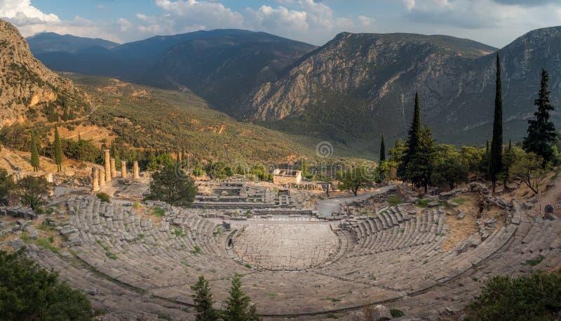 Старый театр в Дэлфи, Греции стоковое фото rf