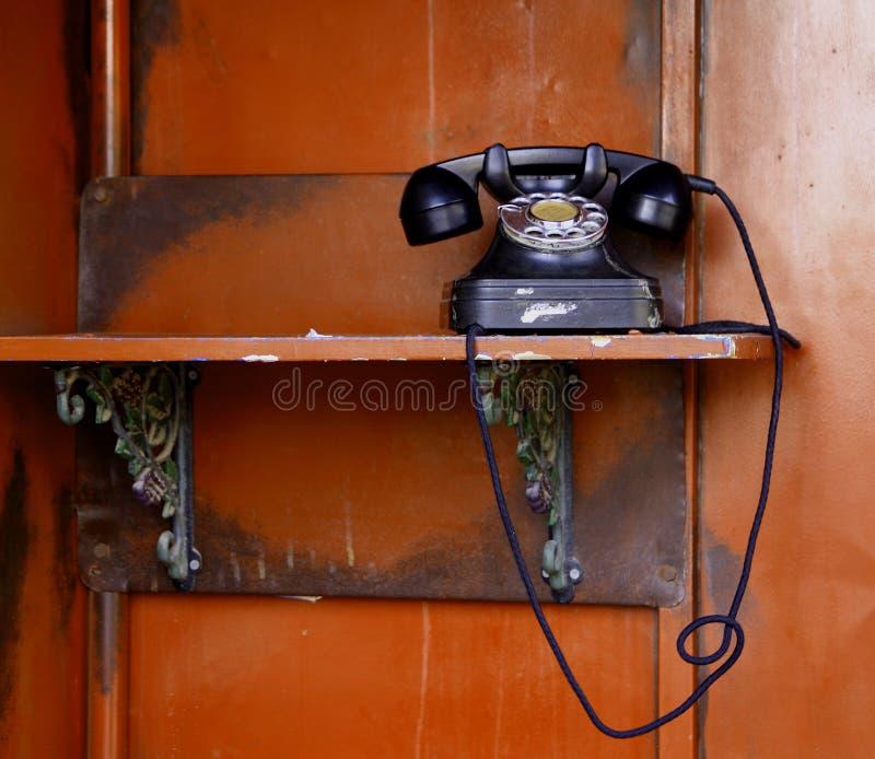 Download старый телефон стоковое фото. изображение насчитывающей пакостно - 18388990