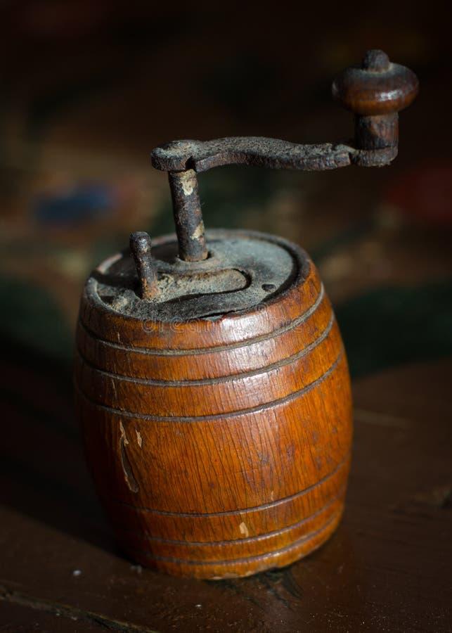 Старый точильщик перца стоковое изображение